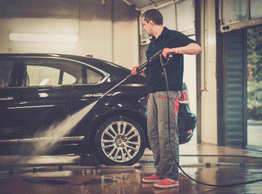 czyszczenie samochodu przed sprzedażą